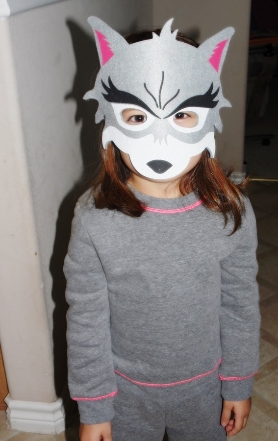 DD in her wolf mask.